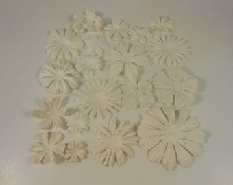 Prima Paper Flowers White Assortment No.552 Got Flowers prima flowers