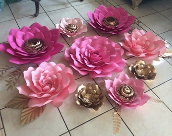 Set of 9 paper flowers