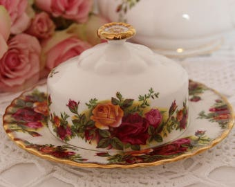 Royal Albert Old Country Roses Round Covered Butter Dish 1962-1970 First Quality Gift for her