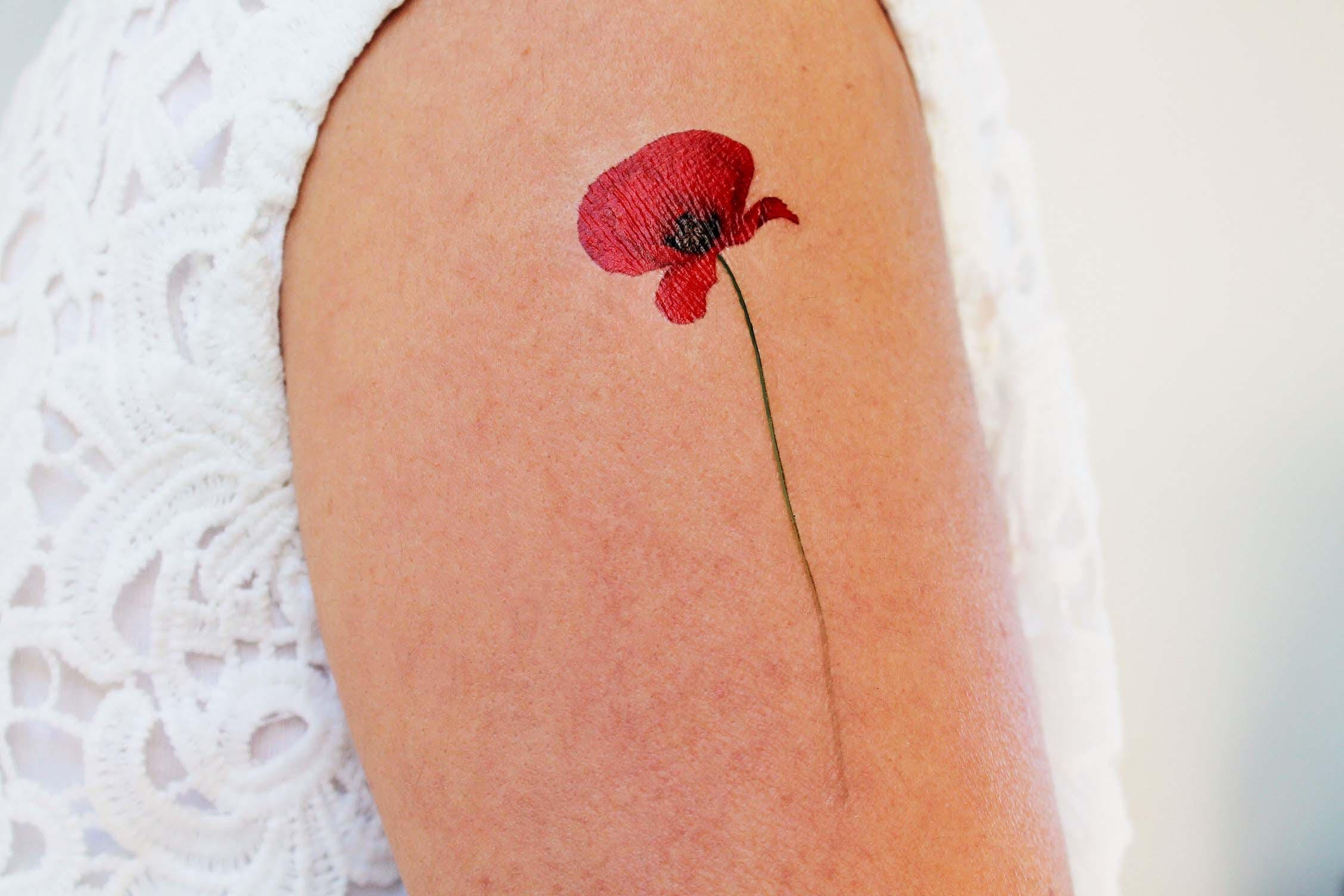 2 red poppies temporary tattoos poppy temporary tattoo. Black Bedroom Furniture Sets. Home Design Ideas