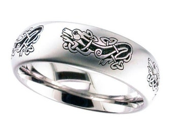 Gents 7mm Wide Titanium Wedding Band with Laser Engraved Celtic Dog Design