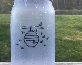Beehive with Bees Lamp, Mason Jar Lamp, Bees Home Decor, Beehive Nightlight, Bees Decor, Rustic Home Decor, Country Home Decor, Primitive