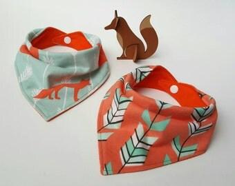 Bandana bib, drool bib, scarf bib, baby bib, modern baby gift, fox baby bib, arrow bib, baby gift (fox or arrow print)