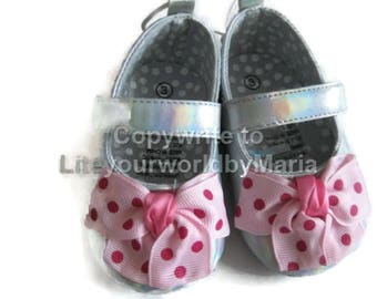 Girl Shoes, Bows , Baby girl shoes, first shoes, size 3 baby girl shoes, soft sole shoes,