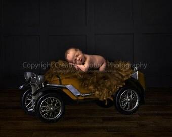 Newborn Digital backdrop / background / Vintage car prop
