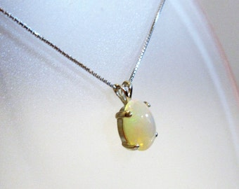 Beautiful Natural Welo Opal and Silver pendant and chain
