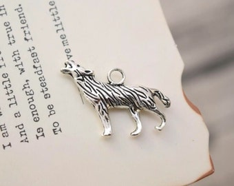 20 antique silver wolf charms charm pendant pendants  (YY03)