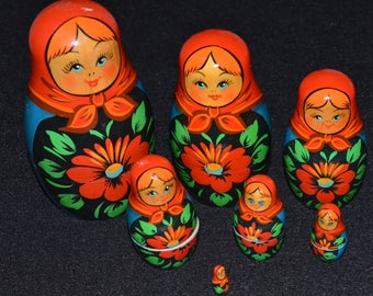 Russian Nesting Dolls, Matryoshka Dolls Set of 7, , Blue and Red Russian Dolls with Floral Design, Hand Painted Russian Stacking Dolls