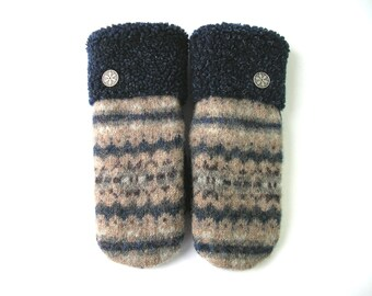 Women's mitten, sweaters mittens, sweater mitten, warm mittens, beige mitten, felted wool, recycled wool, boiled wool, mitts for her, mitten