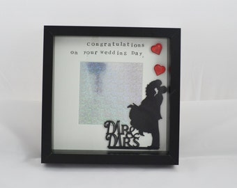 Personalised Mr and Mrs Photo frame- Gift for the Bride and Groom - Unique Wedding Gift