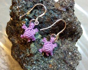 Macrame turtle earrings