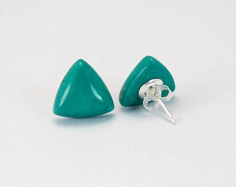 11.5mm Quality Green Turquoise Triangle 925 Sterling Silver Stud Earrings E490