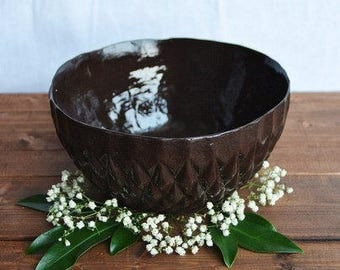 Black salad bowl