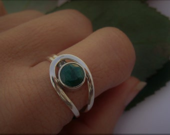 Emerald Ring, Indian Emerald Gemstone Ring, Pure 925 Sterling Silver Ring, Green Stone Ring, Emerald Jewellery, Emerald Silver Ring