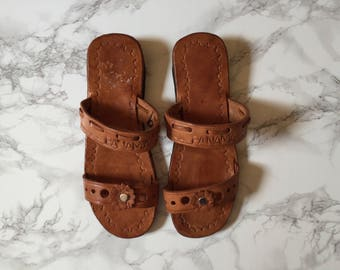 chestnut leather slip ons | leather flower Panama sandals | 10