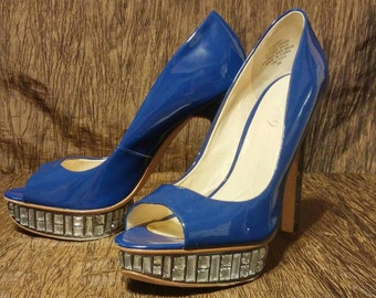Boutique 9 B T Nosey blue peep toe pumps, size 9m, free shipping