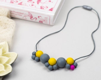 Silicone and maple wood teething necklace: Broderie Autumn