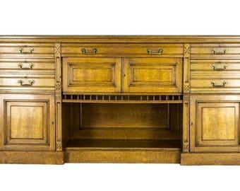 B571 Large Victorian Scottish Tiger Oak Sideboard, Buffet
