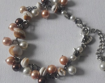 Boho chic Shells and pearls anklet  Ibiza style  legs jewelry, Beach anklet