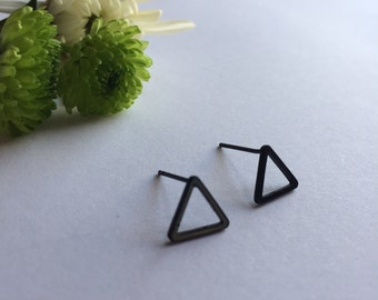 Small triangle earrings, small triangular studs, black matte earrings, Simple, cute, fashion earrings, minimal earrings, cute triangle studs