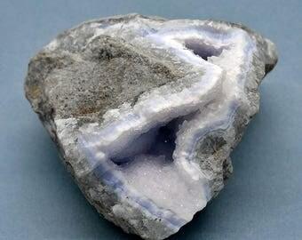 Light Blue Agate Geode – 472g