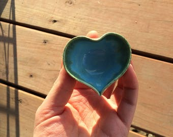 Tiny heart jewelry dish