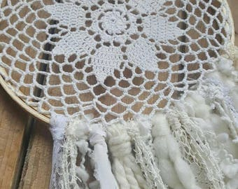 DreamCatcher 8 inches, Bohemia, the Loleries, white and cream handmade, decoration of room, bedroom, wall hanging