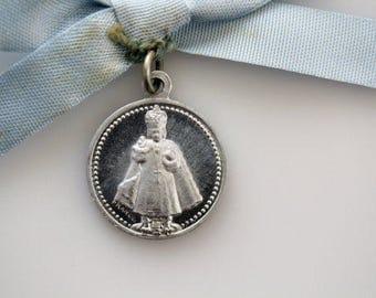 Vintage Infant Jesus of Prague Medal - Miraculous Infant Jesus of Prague Medal - Religious Catholic Medal (SD414)
