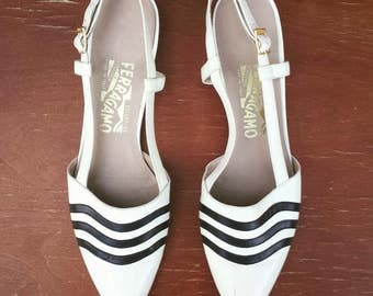 1990's Salvatore Ferragamo pointed toe flats or sandals - size 9 1/2AAA - white and navy blue