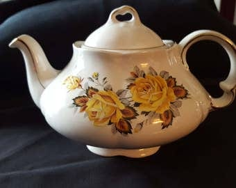 ELLGREAVE ironstone teapot, a division of Wood and Sons of England.