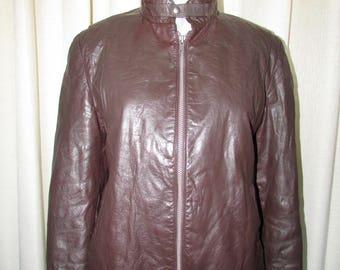 Vintage beautiful  brown  leather  bicker jacket/joli jacket de cuir brun      size tag 42