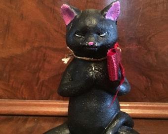 Concrete Buddha Cat, Meditating Cat, Yoga Cat, Black Cat Statue. Praying Cat. Unique Gift