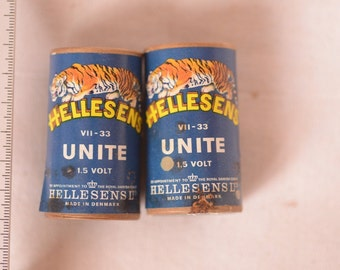 2 Vintage batteries size D 1,5 Volt HELLESENS made in Denmark