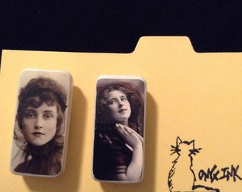 Pair of domino magnets with vintage images