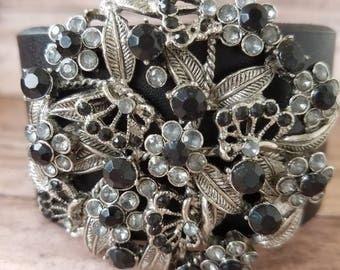 Vintage cuff bracelet/Brooch bracelet/vintage brooch bracelet /upcycled brooch/OOAK jewelry/00ak bracelet/Vintage OOAK jewelry/large brooch