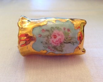 toothpick holder, turquoise, roses and gold trim
