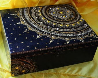 Gold mandala Jewelry box Jewellery wooden box Wooden box Acrylic painting Exclusive design Handpainted box Henna mandala Mehndi art