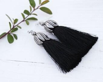 Tassel Earrings black tulip