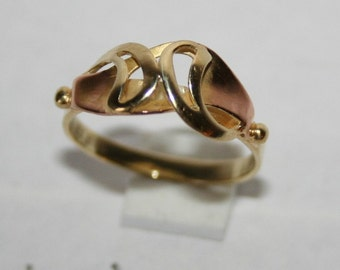 Beautiful ring in solid yellow gold on gold rose 14 k 585/1000