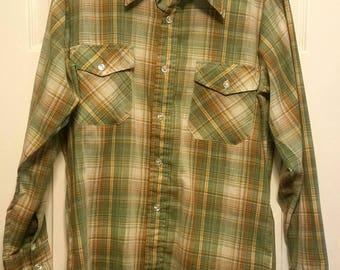 Vintage Woolrich Plaid Shirt size medium (free shipping)