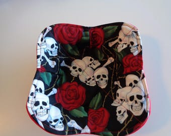 Skulls and Roses Microwaveable Cozy