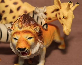 Safari Animals ~ Action Figures ~ Hard Plastic ~ Nice Coloring ~ Textured ~Named Animals ~ Unbranded ~ Made in China ~ Vintage Collectible