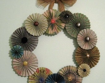 12 Inch Paper Wreath, Medallion Wreath