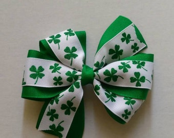 St Patrick's day hair bow, Four leaf clover hair bow, lucky hair bow, St Patty's day bow, green and white hair bow, holiday hair bow