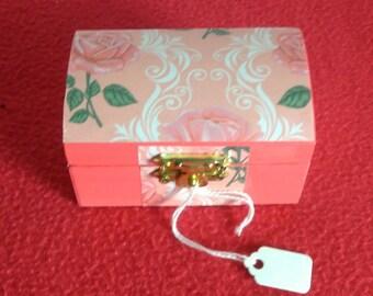 Rosey Decorative Mini Chest
