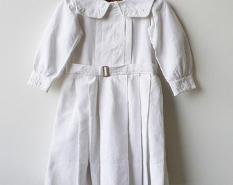 Belle blanc. c. 1900