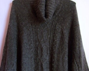 Vintage Women's Poncho/ Gray Autumn Sweater/ With Flip Collar/ Mohair Knitted Pullover/ Size One