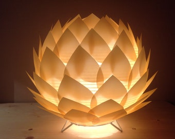Lamp table/Nightlight lotus flower in paper gold/gold