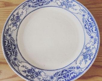 Five pretty, vintage blue & white side plates