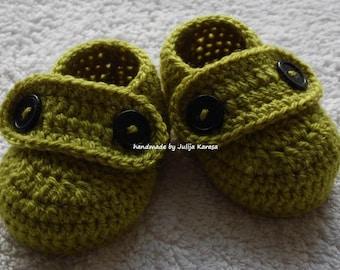 Crochet baby shoes, baby booties crochet, handmade baby boots, baby shower gift, baby booty crocheted, crochet from acrylic yarn